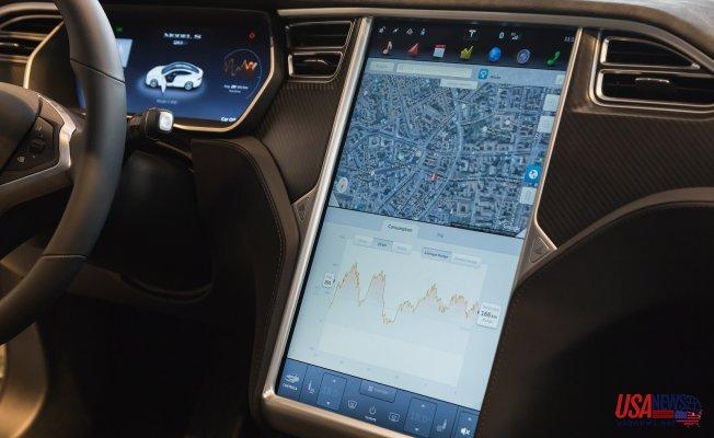 Tesla Faces Investigation Over Autopilot-Enabled Car Crash