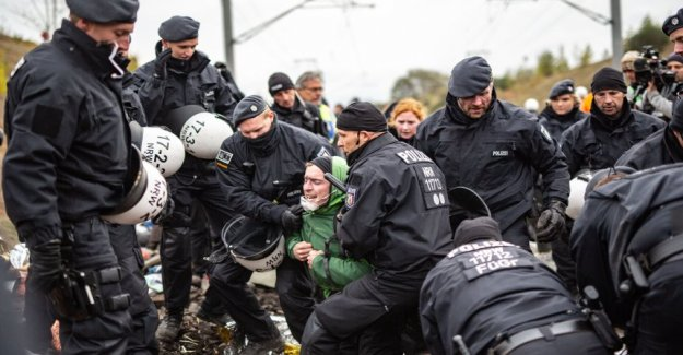 Hambach forest: police grants-encrusted Coal