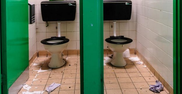 One child out of two has to go to the toilet at school