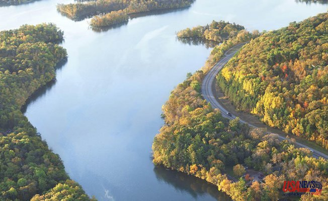 Is the Great River Road Great Because of the River or Because of the Road?