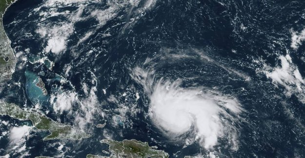 Citizen warns: Hurricane hits with devastating strength
