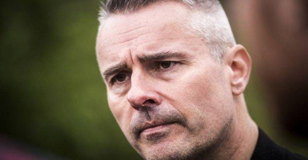 Lobby-Larsen's future: Millionløn and chaos
