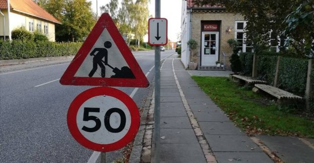 Mysterious signs-error: the Higher the speed limit at the roadworks?