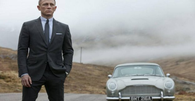 Reveals new footage: 007 in the fast-paced car chase