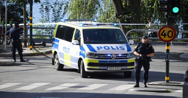 The lawyer was shot in the center of Stockholm, sweden, has been brought to the hospital