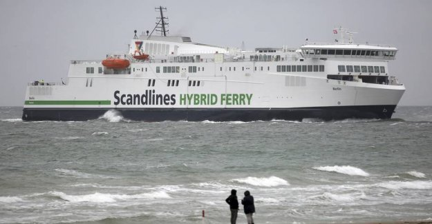 Ferry påsejlet: All flights cancelled