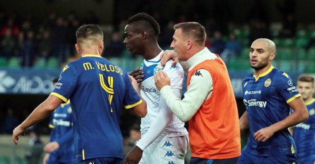 Hissing Balotelli: - Shame on you!