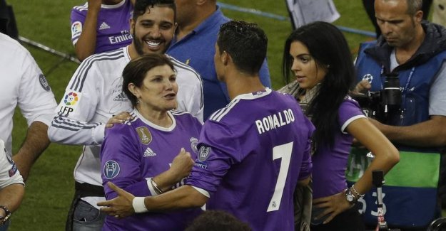 Ronaldo's mother: He is a victim of mafia