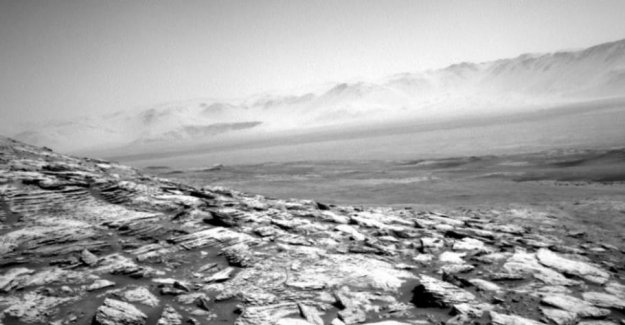 Space-robot sends the gloomy picture of Mars