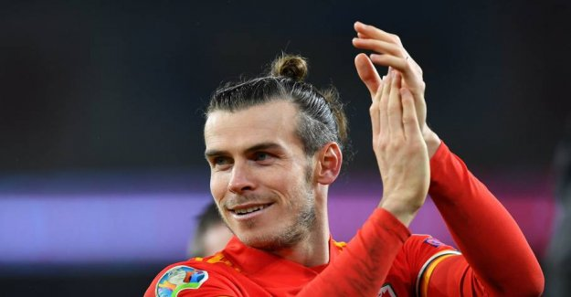 Spanish anger: Bale behind the provo-banner