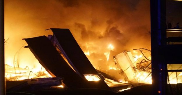 Big factory fire: most of The building collapsed