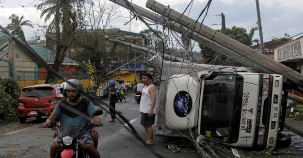 Violent typhoon takes the lives of ten people in the Philippines