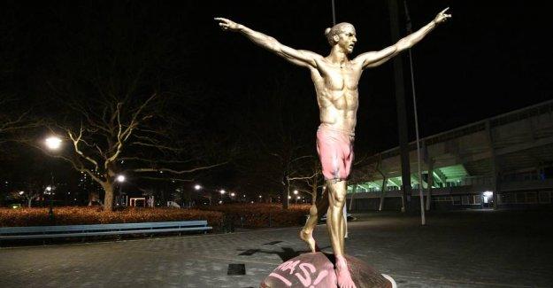 Zlatan statue has again been vandalized