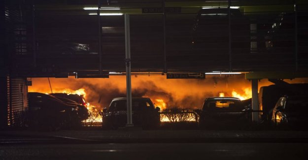 300 cars destroyed by fire in Norwegian airport