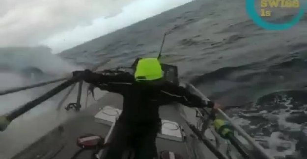 Alone on the Atlantic: Being hit by monsterbølge