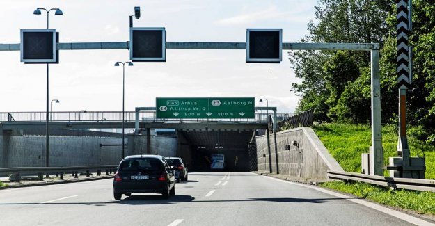 Thousands of motorists drive here every day: Now, it should be made more green