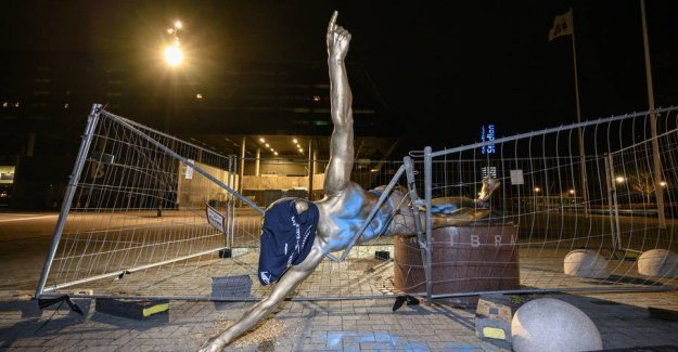 Zlatan in the knees: Now is the statue overthrown