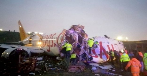 Aircraft overturned on landing in Istanbul: One dead and 157 injured