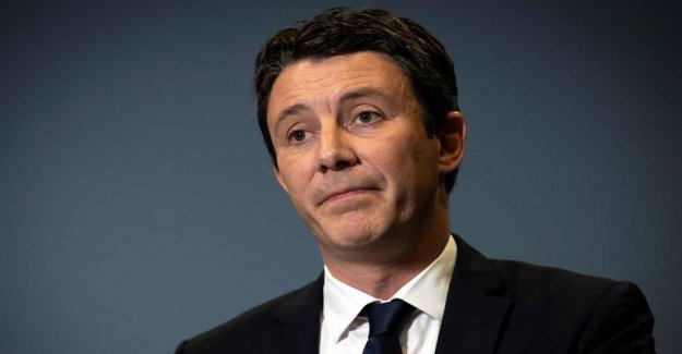 French mayoral withdraws after sex-video