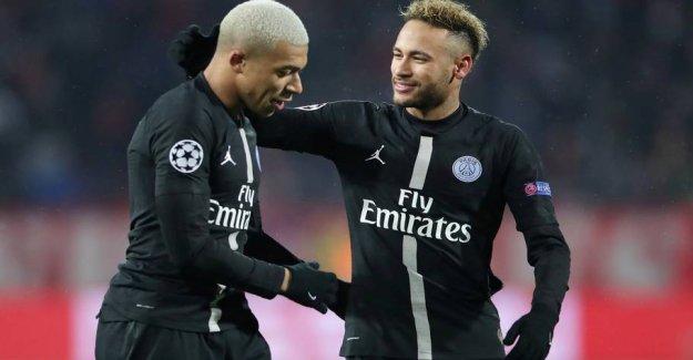 Neymar in the nightclub gaffe