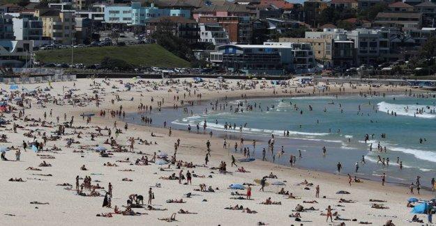 Authorities closes Bondi Beach in order to prevent spread of virus