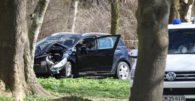 Car chase in Valbyparken: getaway car hit by gunshot in the windshield