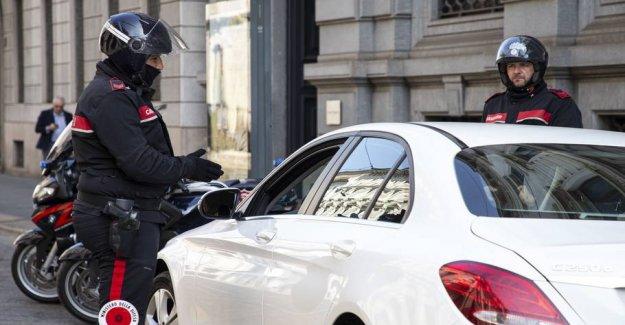 Few cultivated sex in the car: Violated coronaregler