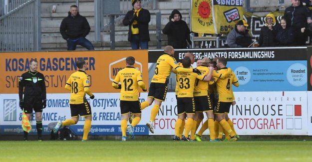 Horsens and Randers protects the players against the virus in the cup matches