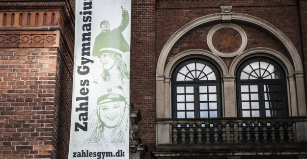 Kyssefrygt cancels the gala celebration at the gymnasium
