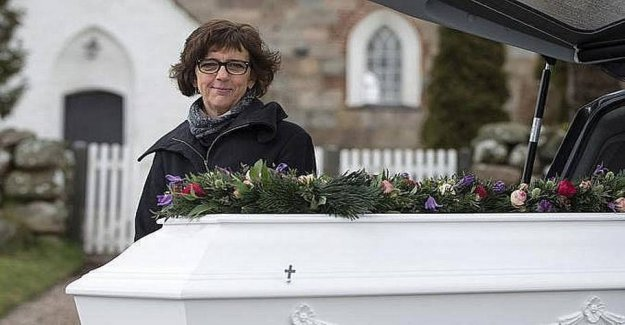 The funeral director will livestreame funerals