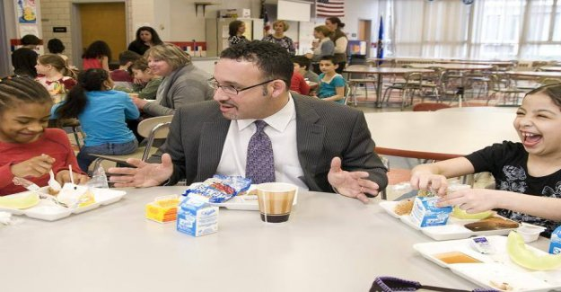School, the choice of Biden: a former elementary school teacher as minister of Education