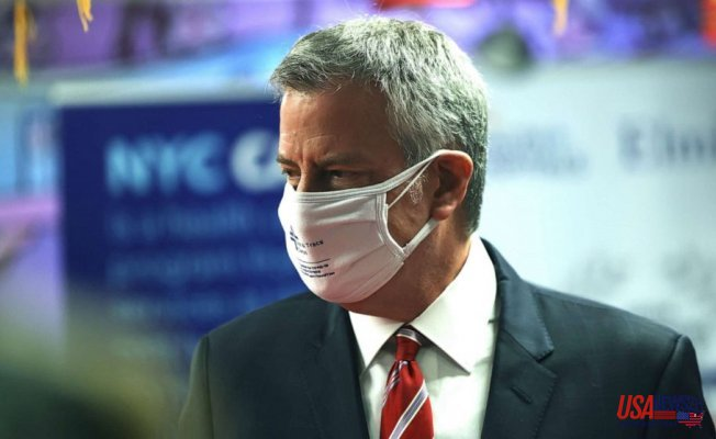 New Yorkers Must wear Two masks till at least June: Mayor