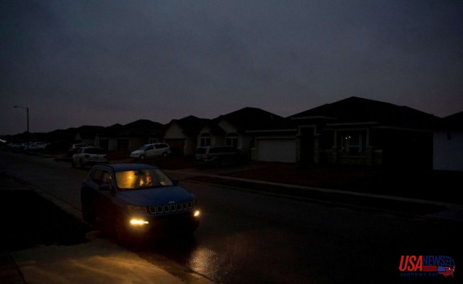 Texas' power outages, water shortages Place Larger strain on hospitals