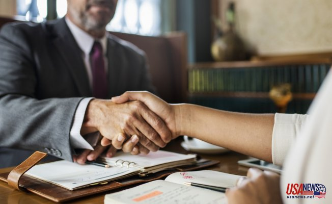 Top Essential Points to Consider While Choosing the Right Attorney for You