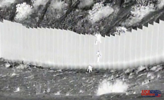 Video Reveals smugglers Falling 2 Kids from 14-foot border fence to US, Police say