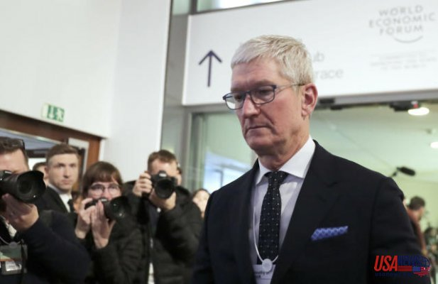 Apple CEO Tim Cook arrives to testify in defense of app store