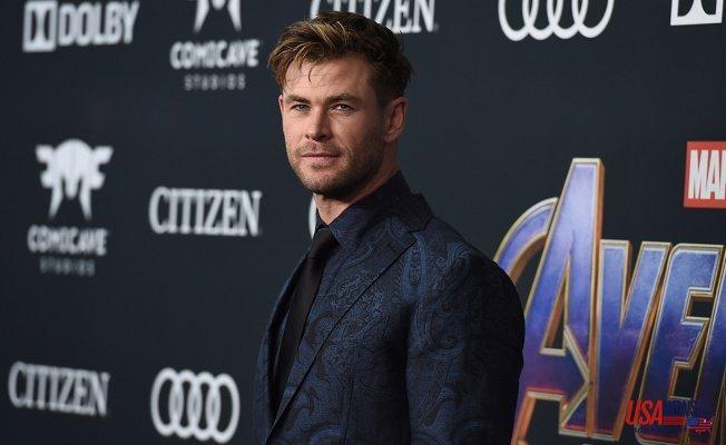 Chris Hemsworth's bulging arm and Lanky Thighs has Societal media Speaking