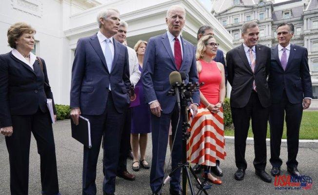 "Biden announces an infrastructure agreement: ""We have a deal"""