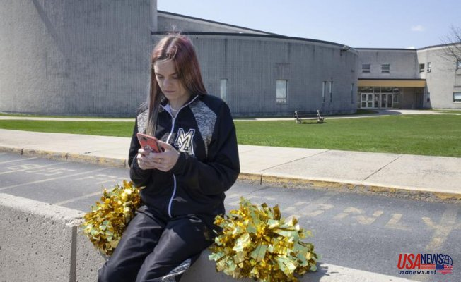 In a case involving a 'cursing cheerleader,' justices rule in favor of student