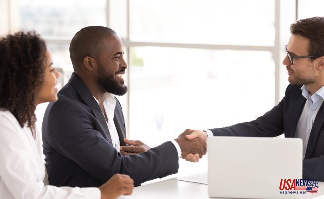 What Should You Consider When Hiring A Family Lawyer? (5 Questions To Ask)