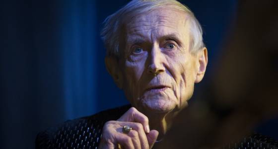 Acclaimed Russian poet Yevgeny Yevtushenko dies in Oklahoma