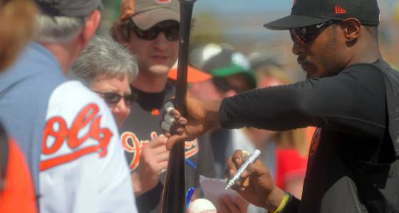 Adam Jones stays hot as Orioles beat up on Red Sox, 12-5