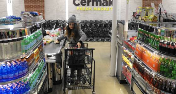 After Dominick's, grocers still face cleanups on aisles 1-12: New rivals, online shift