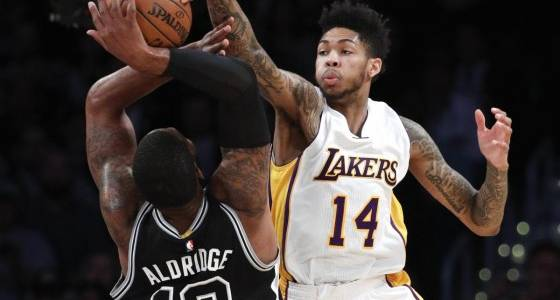 Angry Walton laments Lakers'  lack of heart in dismal defeat