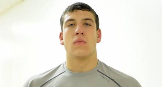 Appleby, Kratochvil qualify for Division II wrestling championship