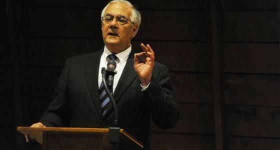 Barney Frank joins Maryland Democrats pushing bill to scrutinize Trump on banks
