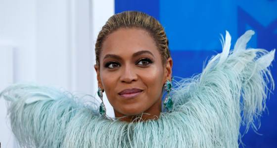 Beyoncé's Coachella Cancellation Causing Outrage, Fans Demanding Refund? Jay Z, Lady Gaga Top Choices For Possible Replacement
