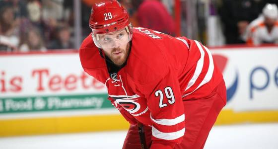 Bickell skates in 1st game since MS diagnosis
