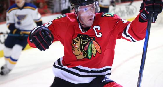 Blackhawks lead Blues 2-1 after one period