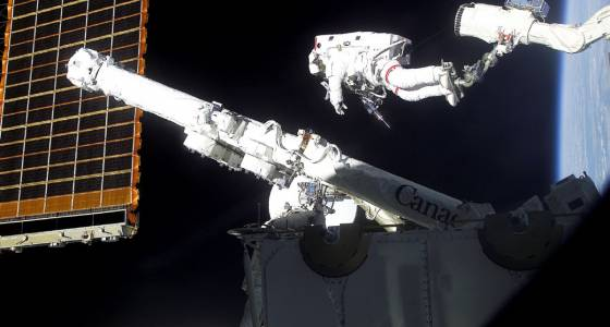 Canadarm maker MDA eyes move to U.S. | Toronto Star